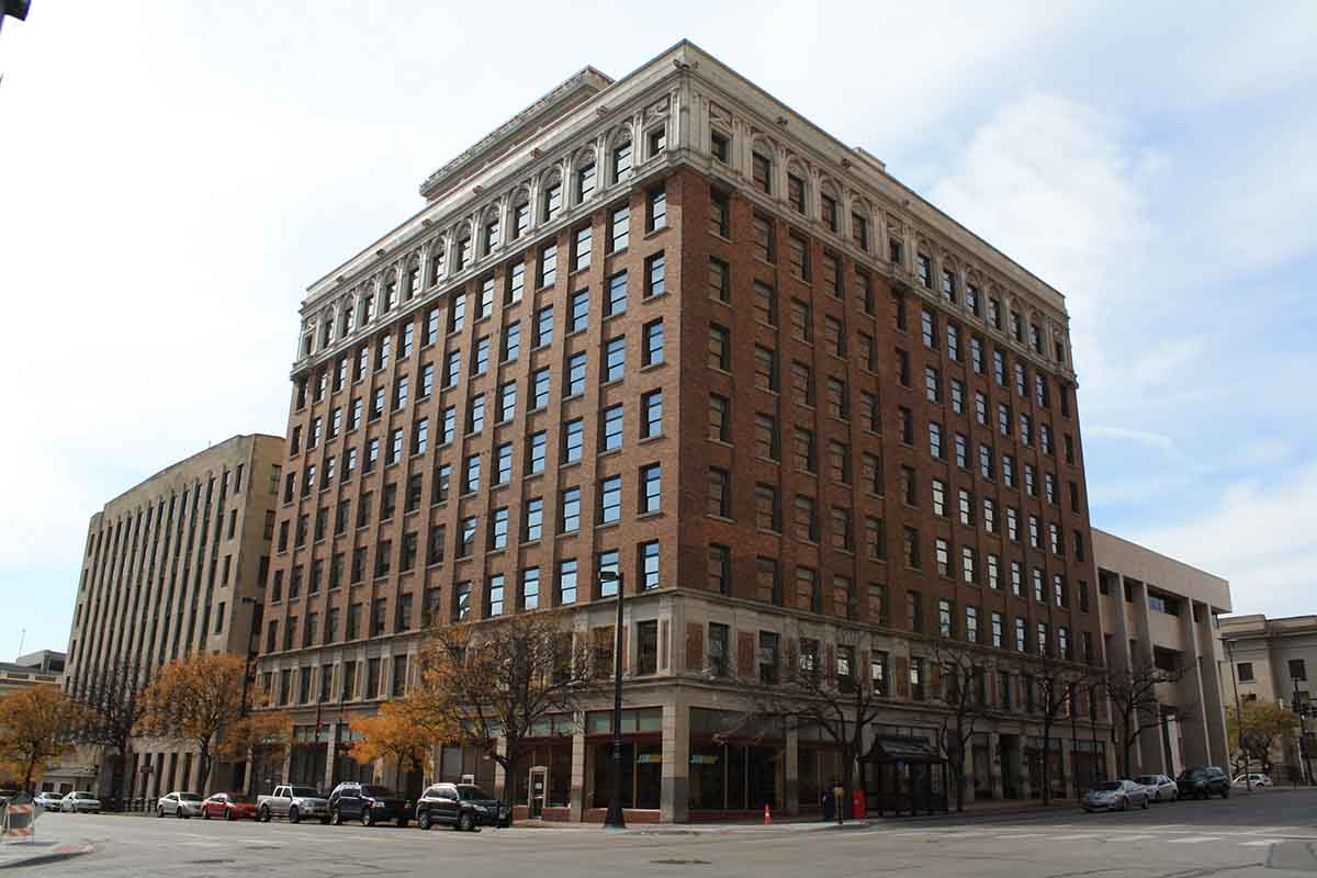 Omaha-Commercial-Window-Cleaning-12