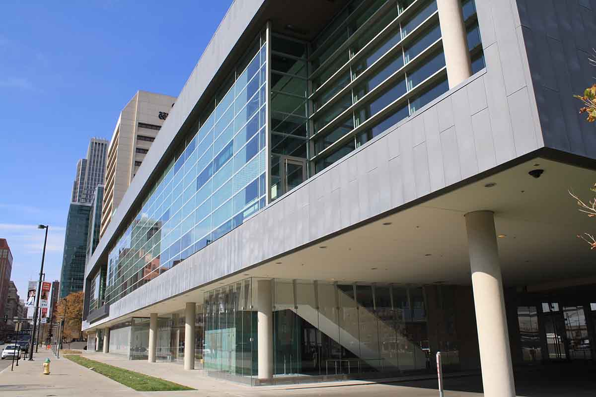 Omaha-Commercial-Window-Cleaning-18
